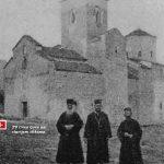 Sveštenici ispred manastira Đurđevi stupovi, Berane, početak XX vijeka